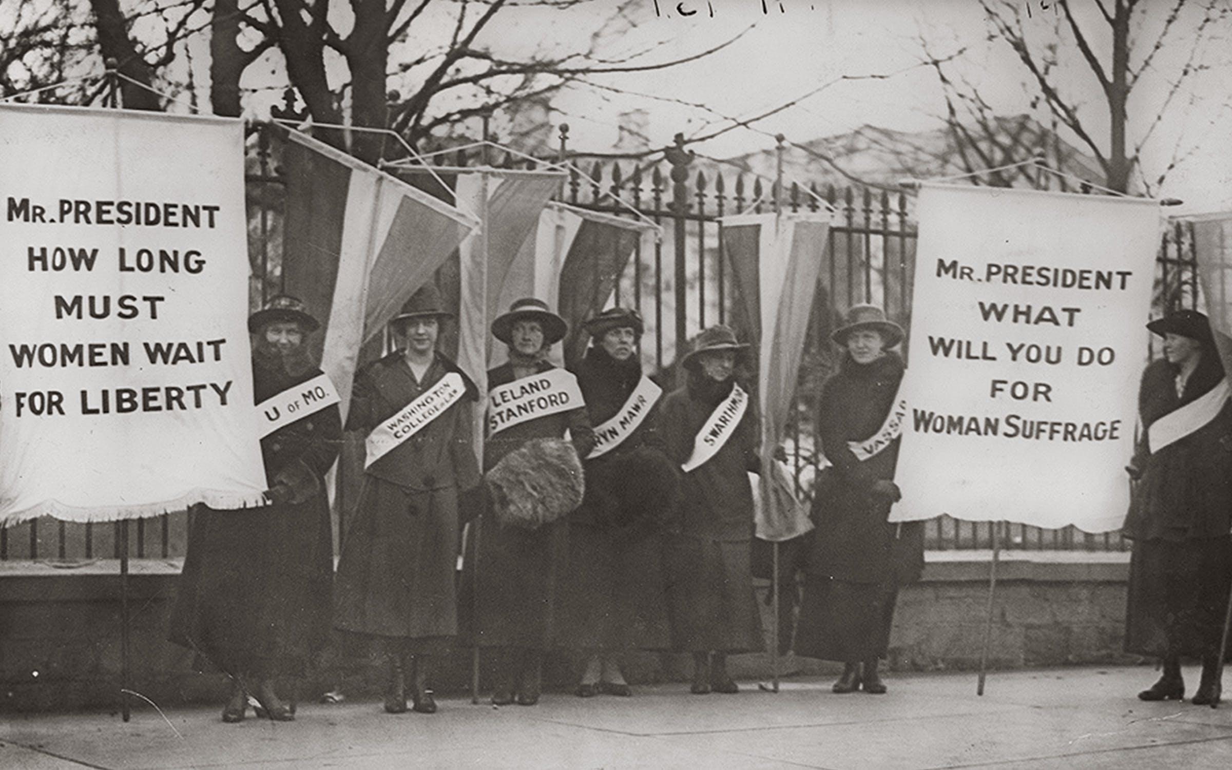 women_suffragists_whitehouse