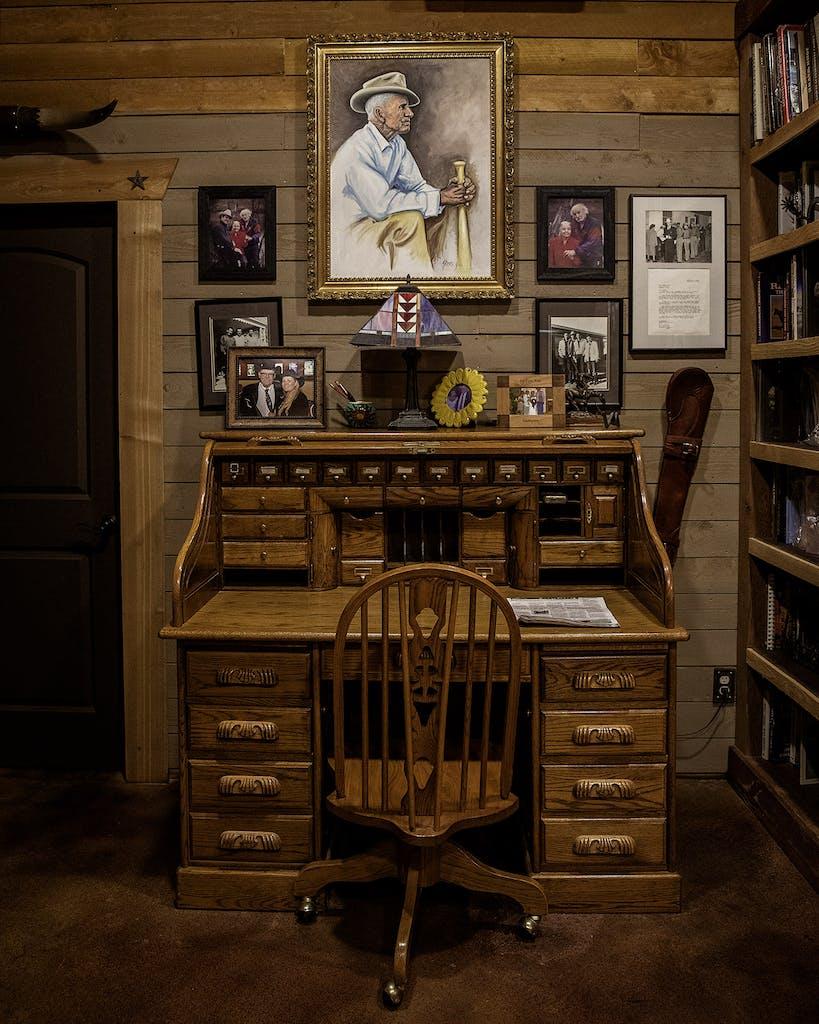 barry corbin desk