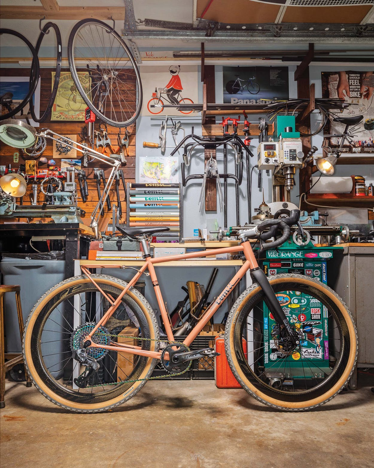 One of Tomii's finished Fat Canvas bicycle models.