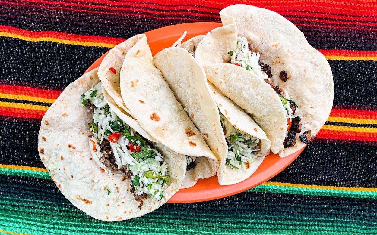 Ulam-Dallas-tacos-sisig-filipino-pork-mushroom