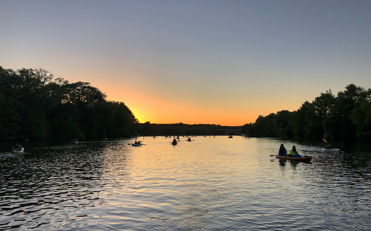 night-time-kayaking-austin