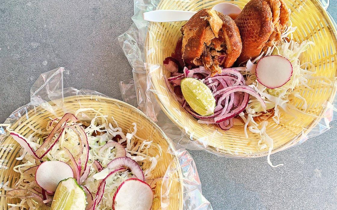 taco-news-ro-ho-pork-&-bread