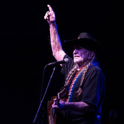 willie-nelson-covid-vaccine
