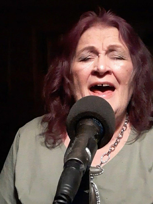 Billie Hill singing quarantine karaoke