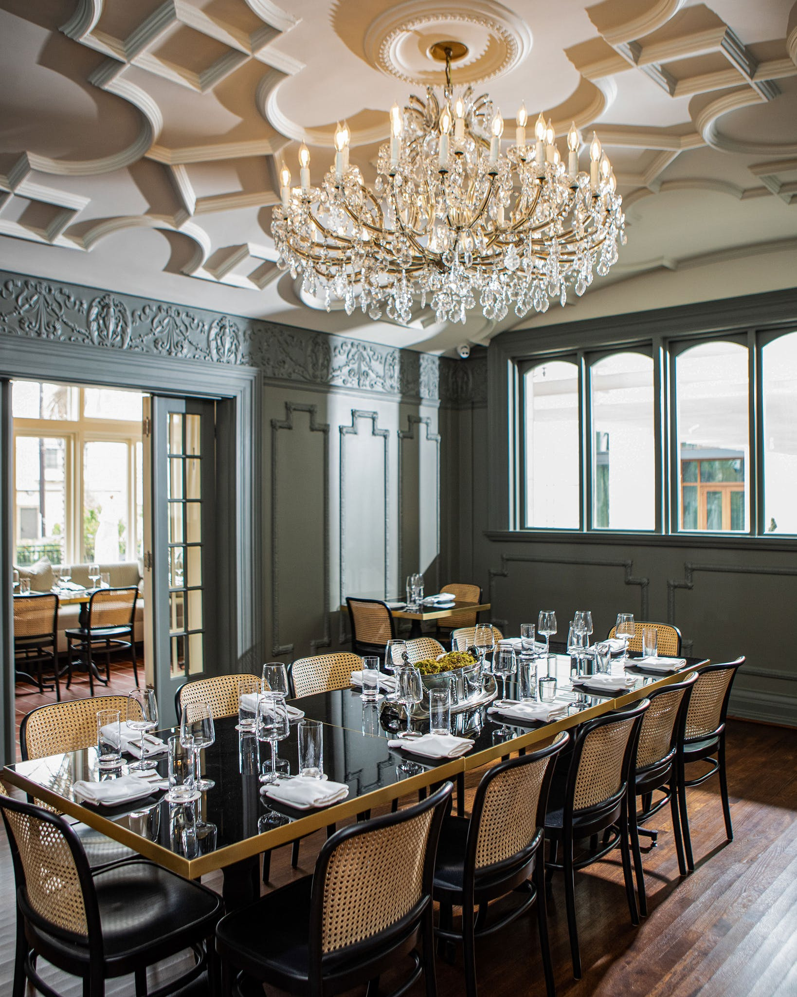Thanks to the original architecture, some rooms can be easily closed off for private events.