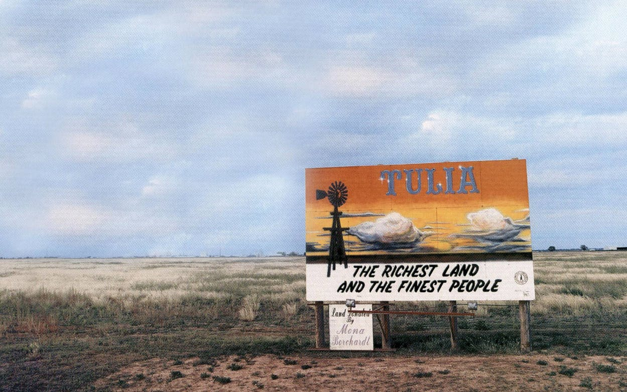 A welcoming billboard on the edge of town.