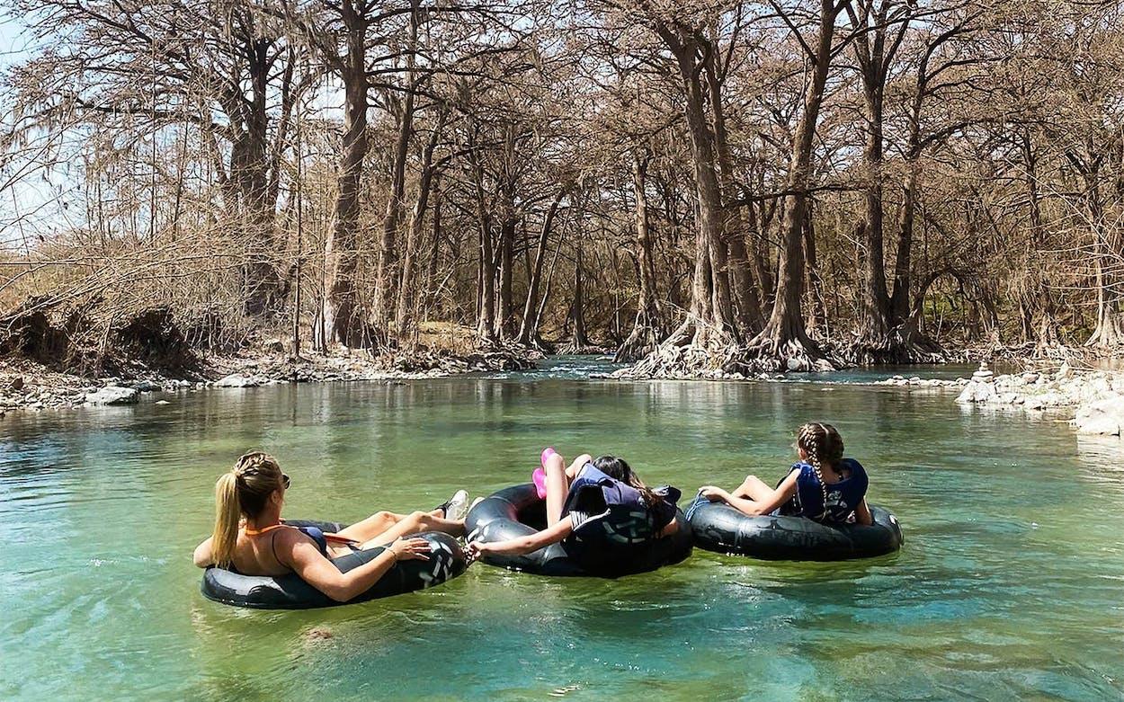 gruene-travel-guide-rockin-r-river-rides3