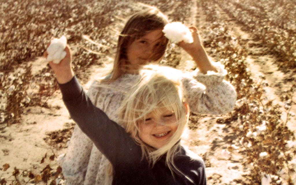 jenny lawson and sister in cotton field