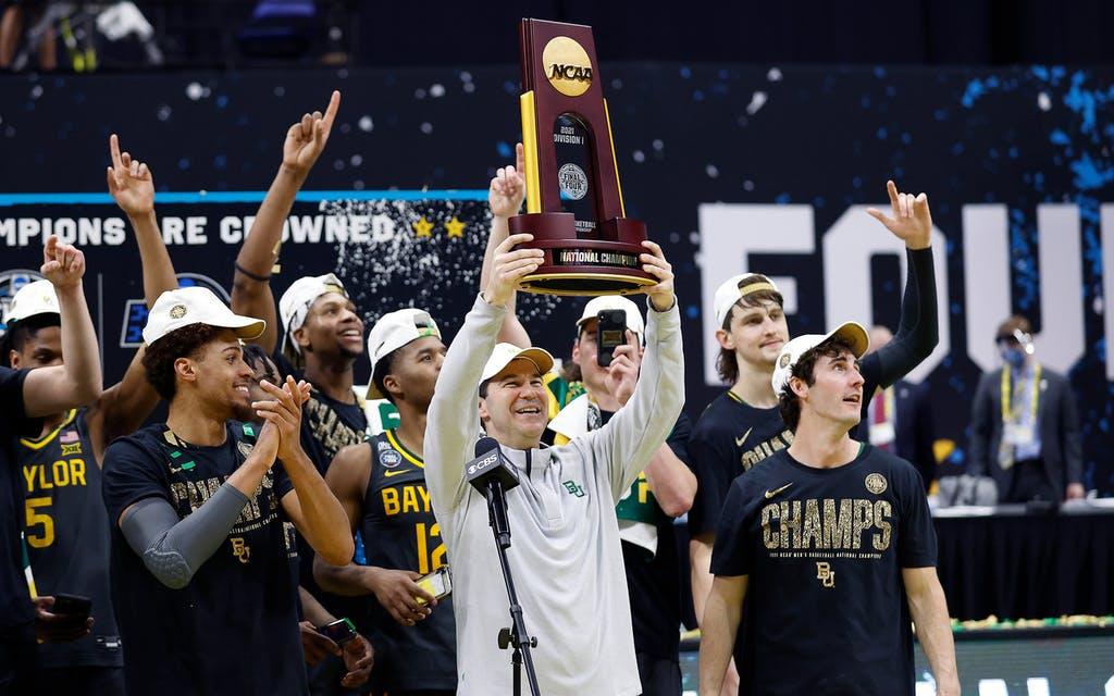 Head coach Scott Drew and the Baylor Bears after winning the National Championship game of the NCAA Men's Basketball Tournament on April 05, 2021.