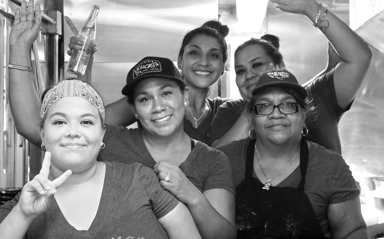 Mamá Reyna and crew at Veracruz All Natural