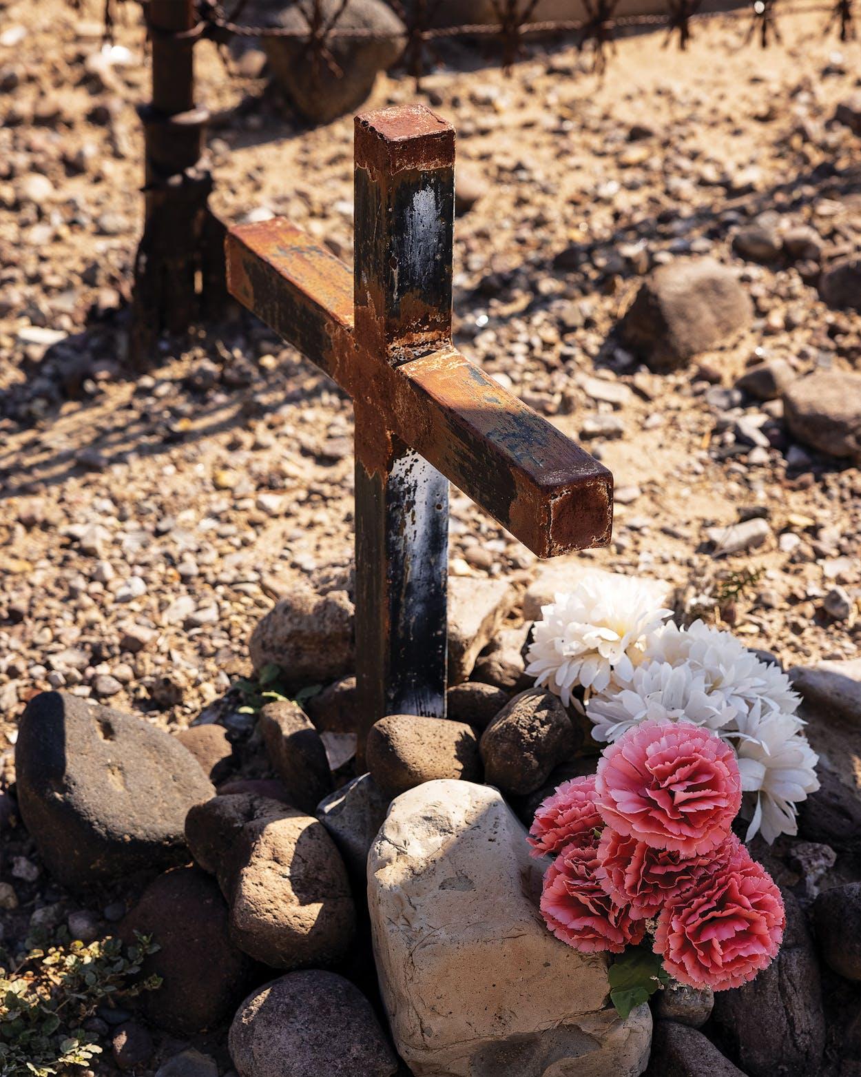 One of two metal crosses in the Cementerio del Barrio de los Lipanes, in Presidio.