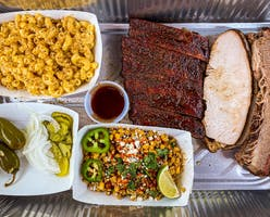Tailgaters-BBQ-truck-Weatherford-Texas-tray