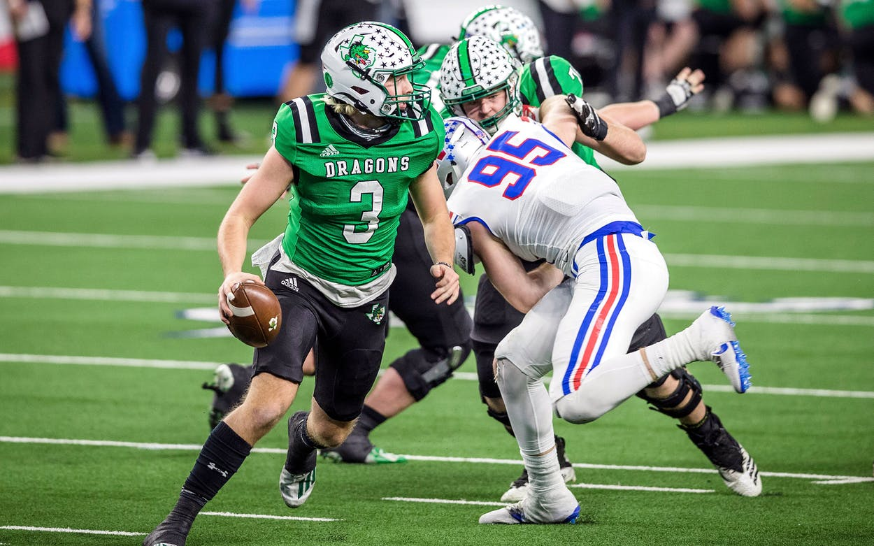 Quinn Ewers, at left, during a game against the Austin Westlake Chaparrals at AT&T Stadium on January 16, 2021.